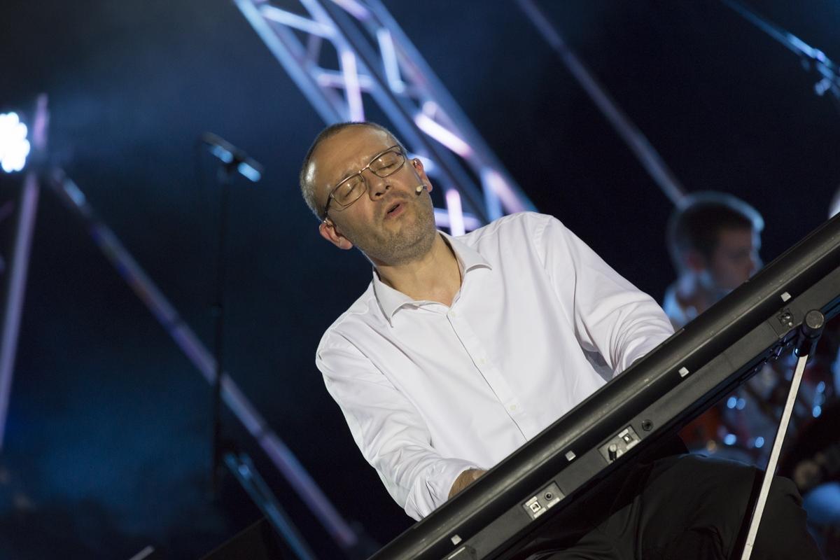 Hugues Fantino au clavier